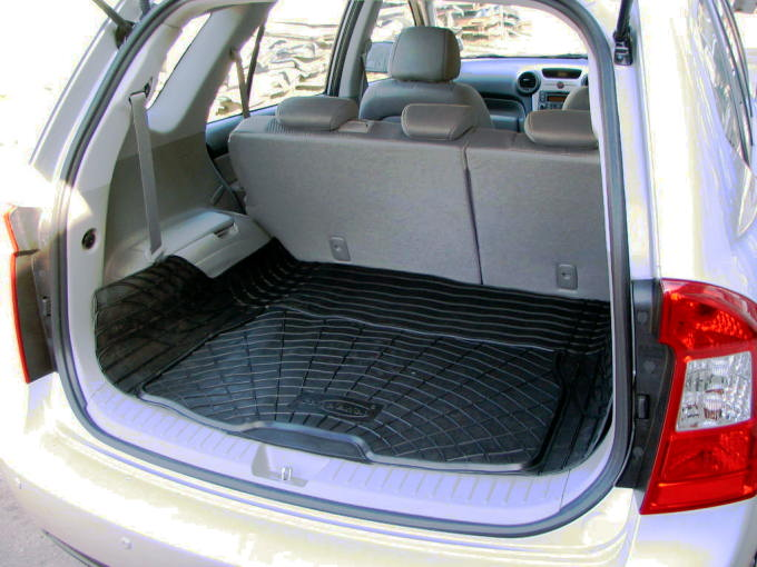 kia carens ma geschneidert schwarz gummi auto hundematte kofferraum schutz ebay. Black Bedroom Furniture Sets. Home Design Ideas
