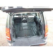 Land Rover Discovery 3 Moulded Rubber Load Space Mats